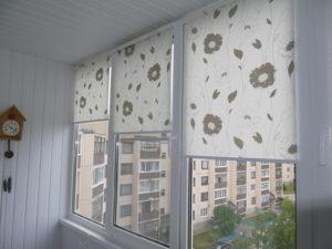 Установка рулонных штор на пластиковые окна в Вологде